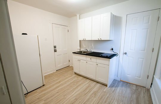 195 Albert St Oshawa - Unit 3 Kitchen