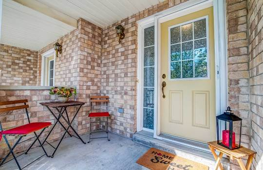1087 Ormond Dr #48, Oshawa - Front Porch