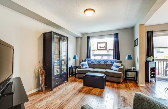 1087 Ormond Dr #48, Oshawa - Living Room