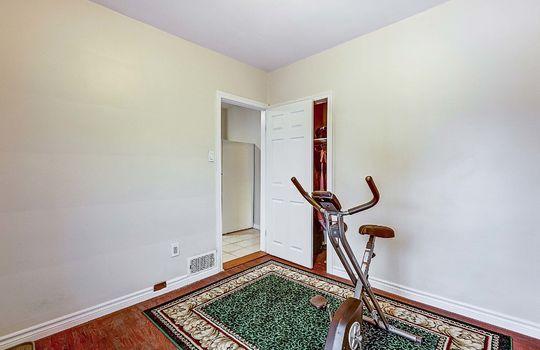 1209 Simcoe St South Oshawa - Main Floor Bedroom 2