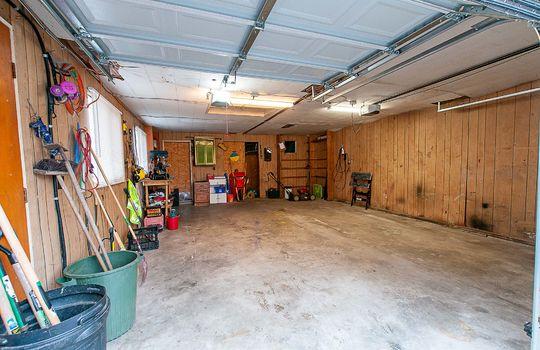 1209 Simcoe St South Oshawa - Garage