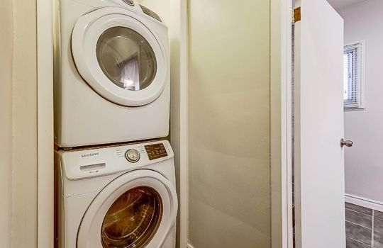 1209 Simcoe St South Oshawa - Main Floor Laundry