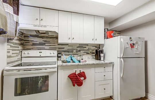 Unit 2 - Kitchen - 305 Beech St West Whitby