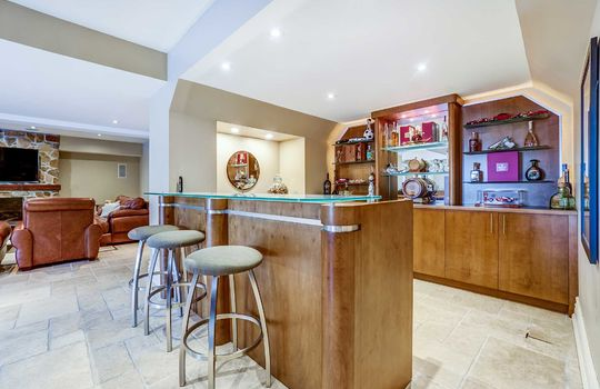 Basement Bar - 1 Connie Crt, Whitby