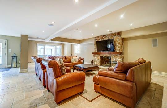 Basement Great Room – 1 Connie Crt, Whitby