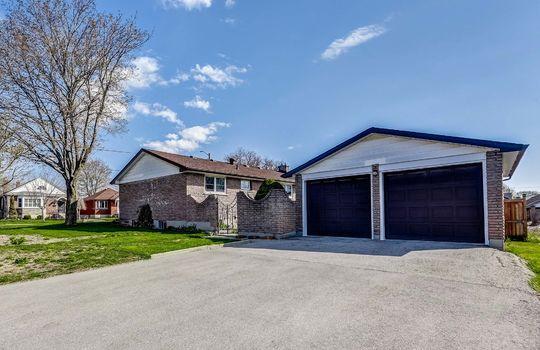 Garage - 361 Gliddon Ave., Oshawa