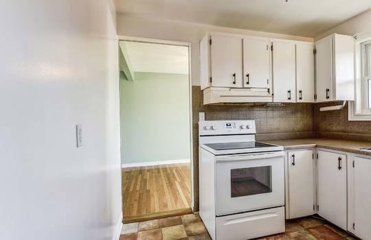 Kitchen - 361 Gliddon Ave., Oshawa