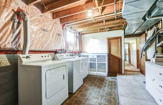 Laundry - 361 Gliddon Ave., Oshawa