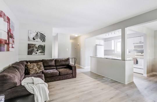 Living Room - 2080 Foxfarm Rd Peterborough
