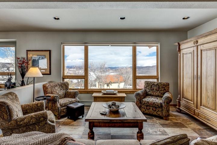 Living room in 31485 Deerwood Ranch