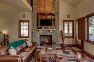 Living room in 1495 Eagle Glen Drive