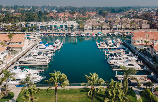 1_Drone-Spinnaker-bay-long-beach-Kent-Martin-Real-Estate_Joseph-Barber-Studios0026