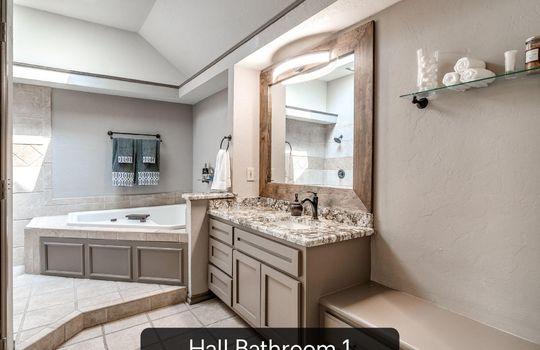 4300 Rimridge Road-52 hall bathroom 1