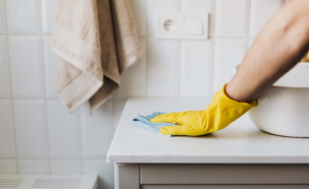Home owner's guide to spring cleaning and decluttering