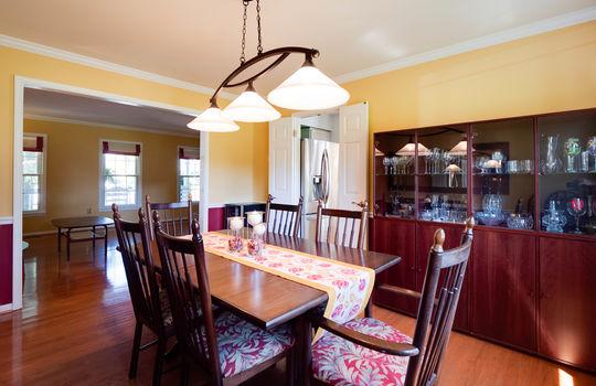 09-Dining Room