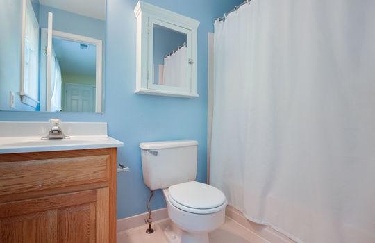 25-Suite Bath