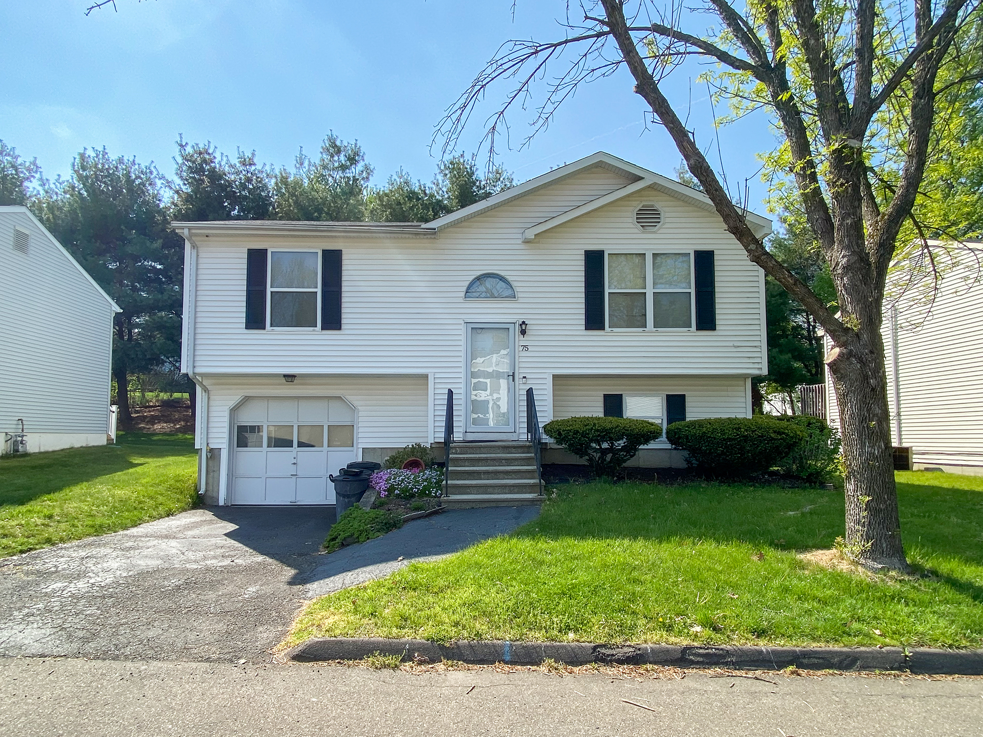 Home for sale in Milford CT