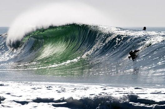 vague-parfaite-dans-landes-france_160814-12
