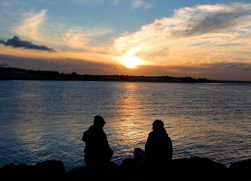 Grapevine couple lake sunset