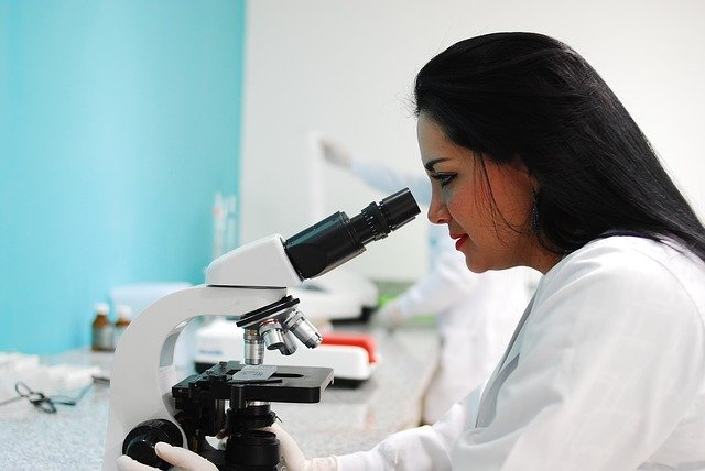 technician doing lab work