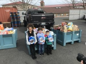 2018 - Team Bell Real Estate Feeding The Heart Food Drive Bremerton