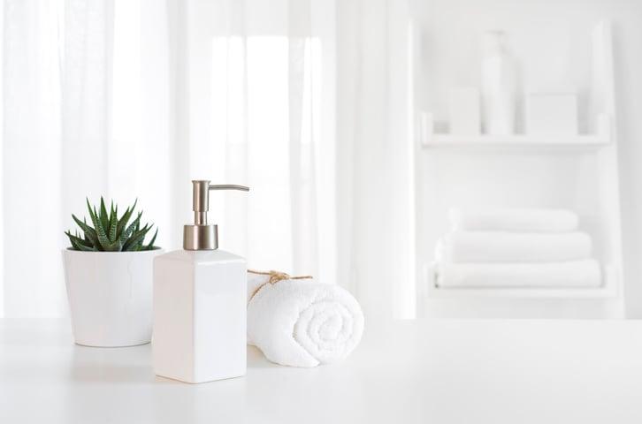 5 Clean Bathroom Hacks