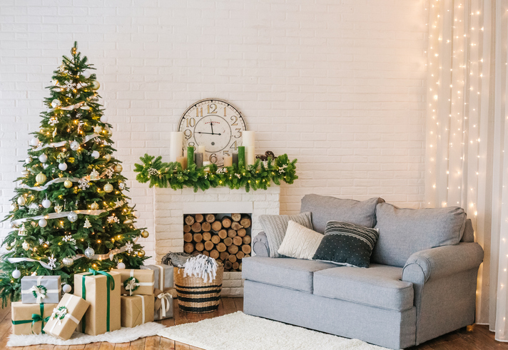 Should You 'Go Pro' With Holiday Decor?