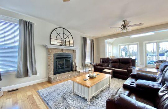 17 Ward-living room left