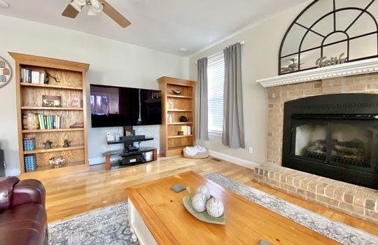 18 Ward-living room right