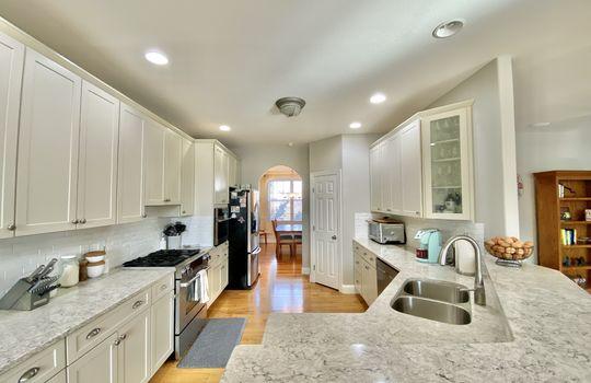 19 Ward-kitchen