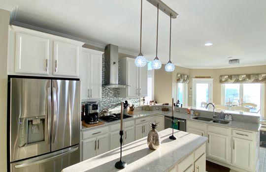24 Baypoint kitchen