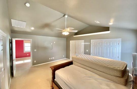 28 Bundy-master bed(2)