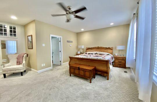 28 Ward-master bed(2)
