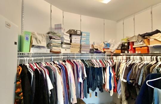 32 Ward-master closet