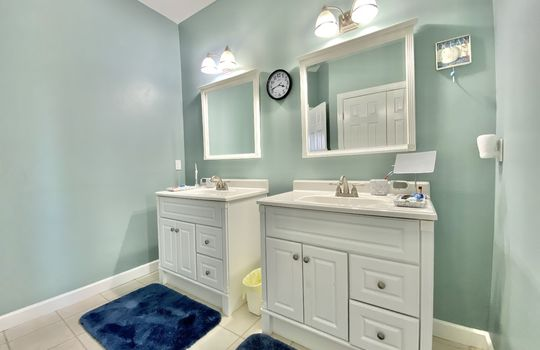 45 Ward-upstairs bath