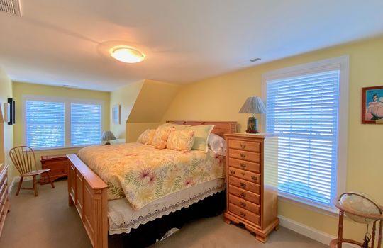 87 Bedroom 3