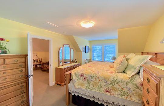 88-3 Upstairs bedroom