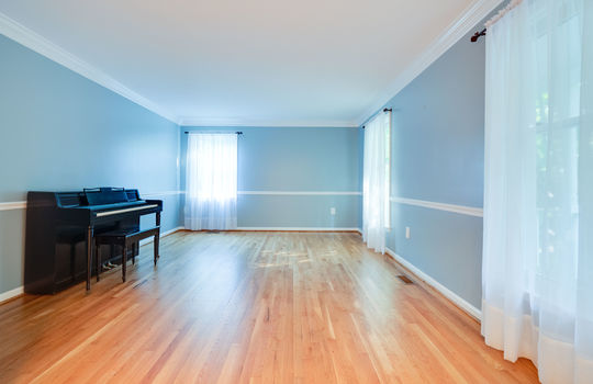 GF-06-Living Room