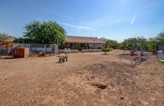Backyard 2 – 536 E Desert Ranch Rd – Fauss – BA