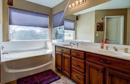 Master Bath – 536 E Desert Ranch Rd – Fauss – BA