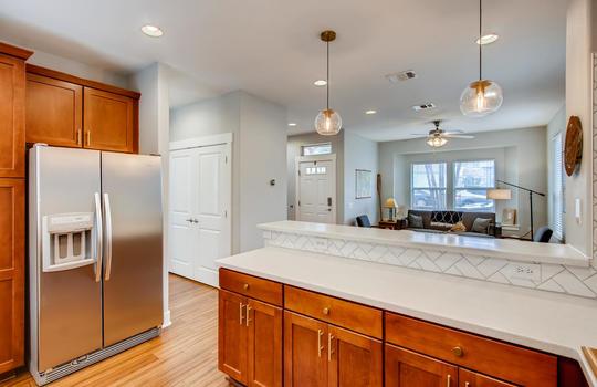 1601 Miriam Avenue Suite 300-large-011-008-Kitchen-1500×1000-72dpi