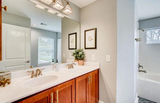 1601 Miriam Avenue Suite 300-large-020-027-2nd Floor Master Bathroom-1500×1000-72dpi