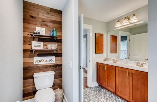 1601 Miriam Avenue Suite 300-large-022-032-2nd Floor Master Bathroom-1500×1000-72dpi