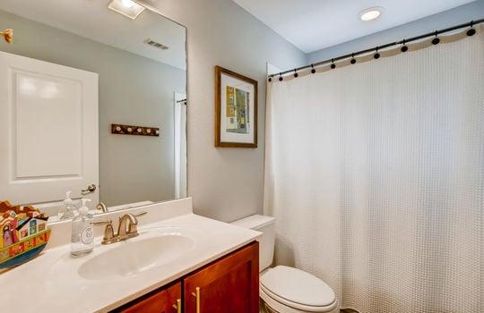 1601 Miriam Avenue Suite 300-large-026-018-2nd Floor Bathroom-1500×1000-72dpi