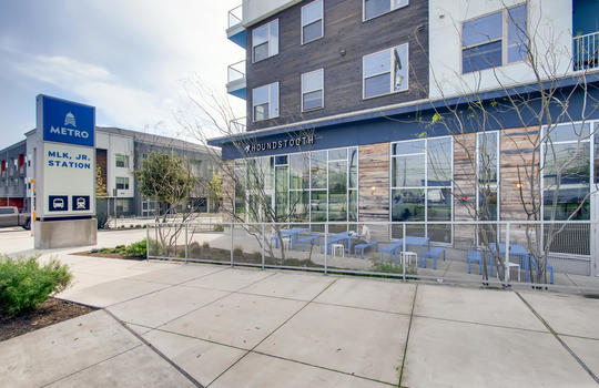 1601 Miriam Avenue Suite 300-large-033-028-Houndstooth Coffee Shop-1500×1000-72dpi