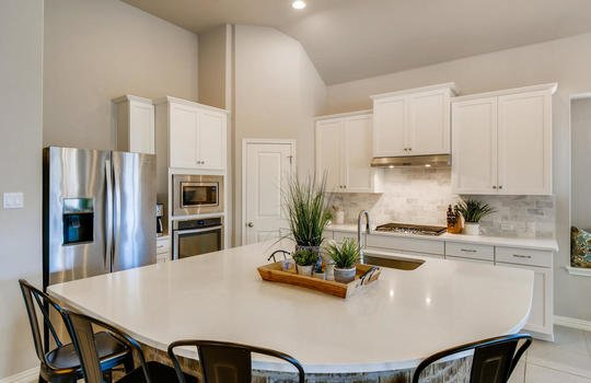 1640 Pinot Noir Street-large-009-011-Kitchen-1500×1000-72dpi