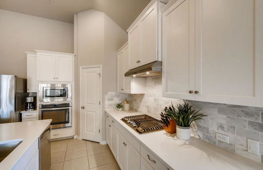 1640 Pinot Noir Street-large-010-008-Kitchen-1500×1000-72dpi