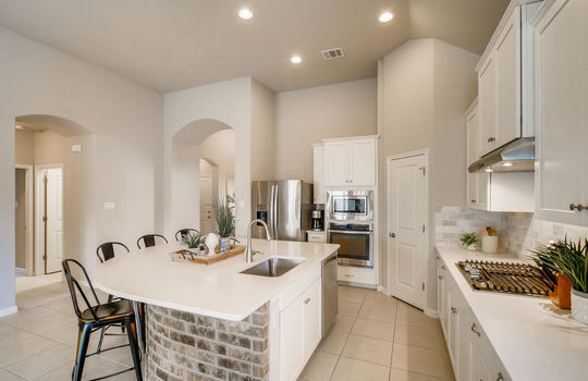 1640 Pinot Noir Street-large-011-009-Kitchen-1500×1000-72dpi