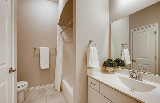 1640 Pinot Noir Street-large-022-023-Bathroom-1500×1000-72dpi