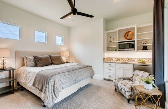 5609 Spanish Oaks Bee Cave TX-small-040-038-Guest House-666×444-72dpi